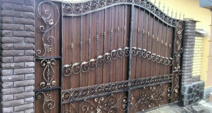 Изготовление металлических ворот Черкассы - Киев