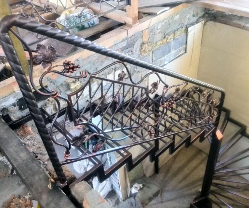 Изготовление металлических лестниц в Черкассах